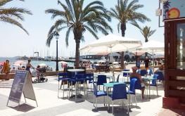 Terraza en la playa de Los Alcazares