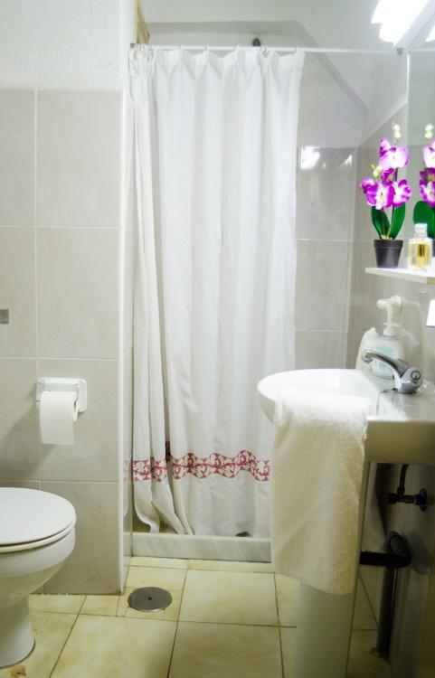 Baño apartamento de 1 dormitorio